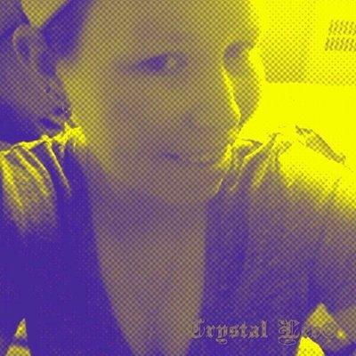 Crystal Lee ©   Social Profile