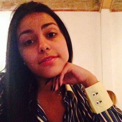 Izabela Lino | Social Profile