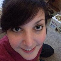 Holly Bench | Social Profile