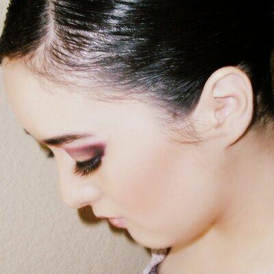 Lia A. | Social Profile