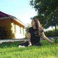 Claudia Vergara I    Social Profile