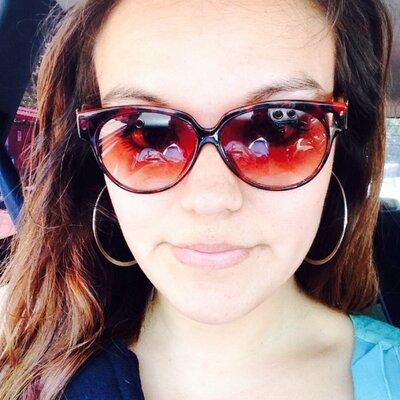 Claudia Bruna  | Social Profile