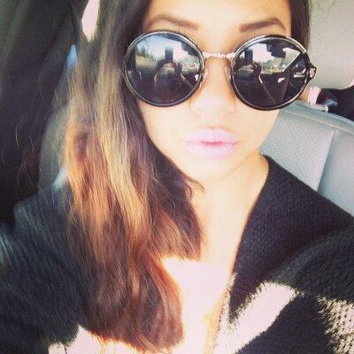 roxy rosales | Social Profile