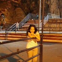 Giovanna B Siagian | Social Profile