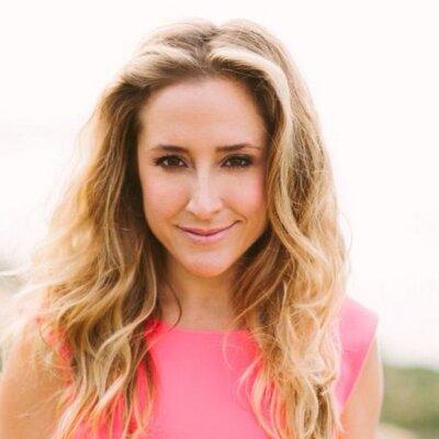Vanessa Van Wieren | Social Profile