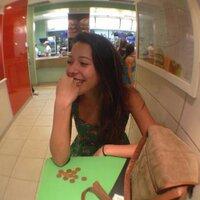 lívia marques | Social Profile