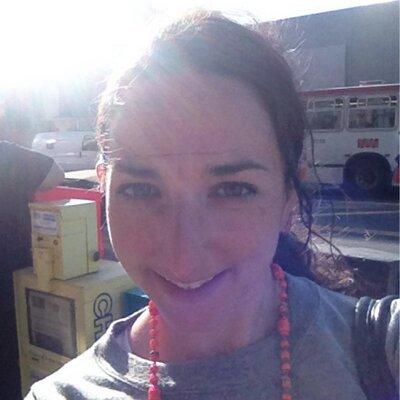 Laura Oppenheimer | Social Profile
