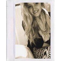 deanna petti | Social Profile