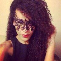 Leona Loves | Social Profile