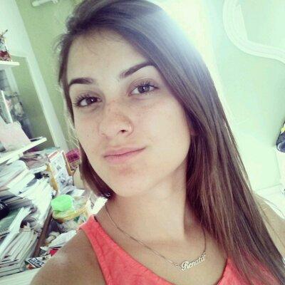 Renata Redivo | Social Profile