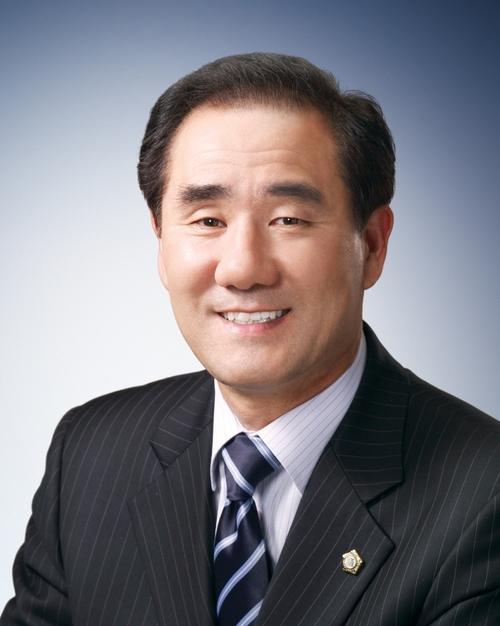 류중혁 Social Profile