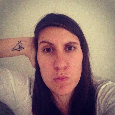 Roxane Viale | Social Profile