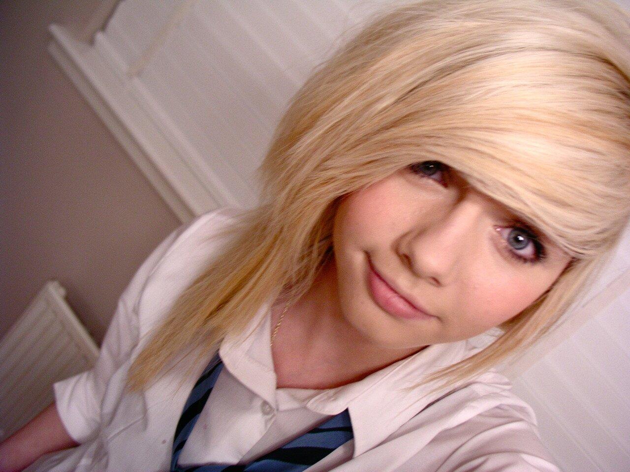Фотографии девушки челкастика блондинки 2 фотография