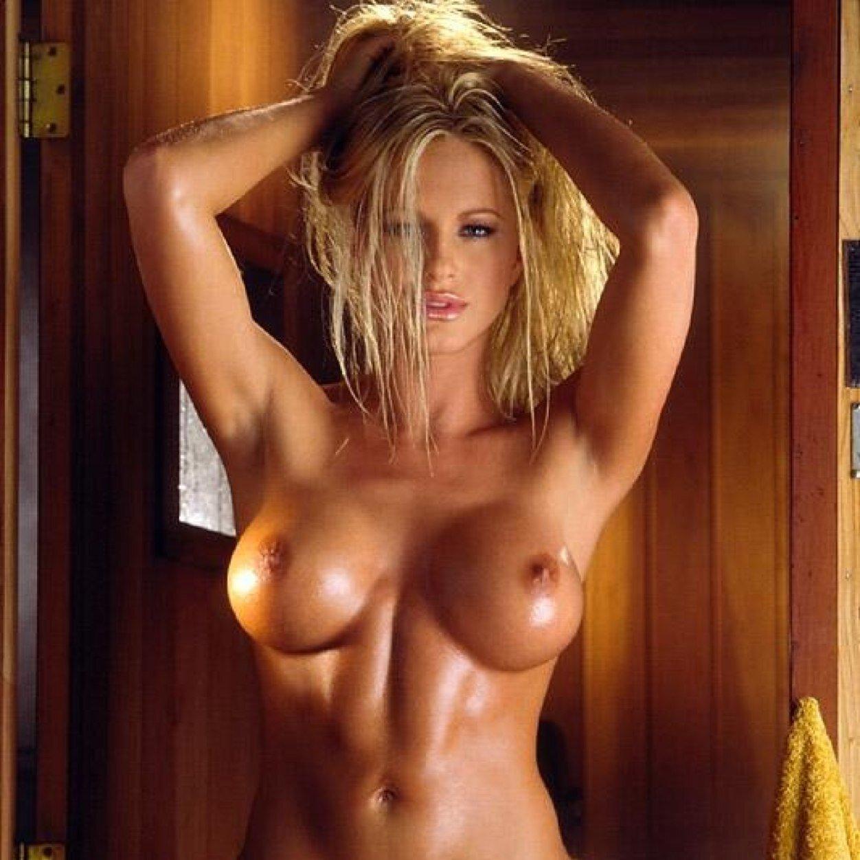Самая красивая женская грудь голая 1 фотография