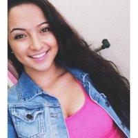 Stacey Tentoglou | Social Profile