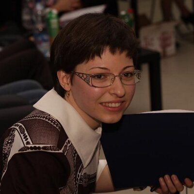 Alexandra Guzik | Social Profile
