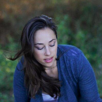 Caroline Quick | Social Profile