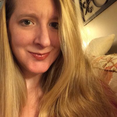 Mindy Dill | Social Profile