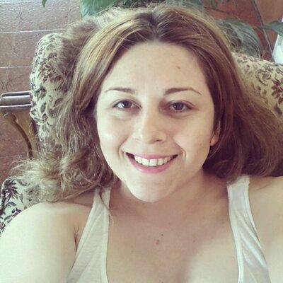 Nadia Larrull ♡ | Social Profile