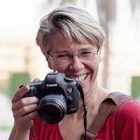 Simone van den Berg | Social Profile