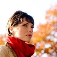Lauren Collins | Social Profile