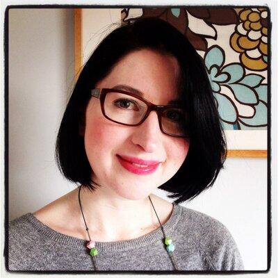 Laura van Weyenbergh | Social Profile