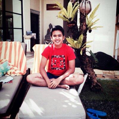 riandzaki hafiz | Social Profile