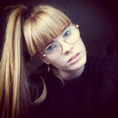 Claire Simpson | Social Profile