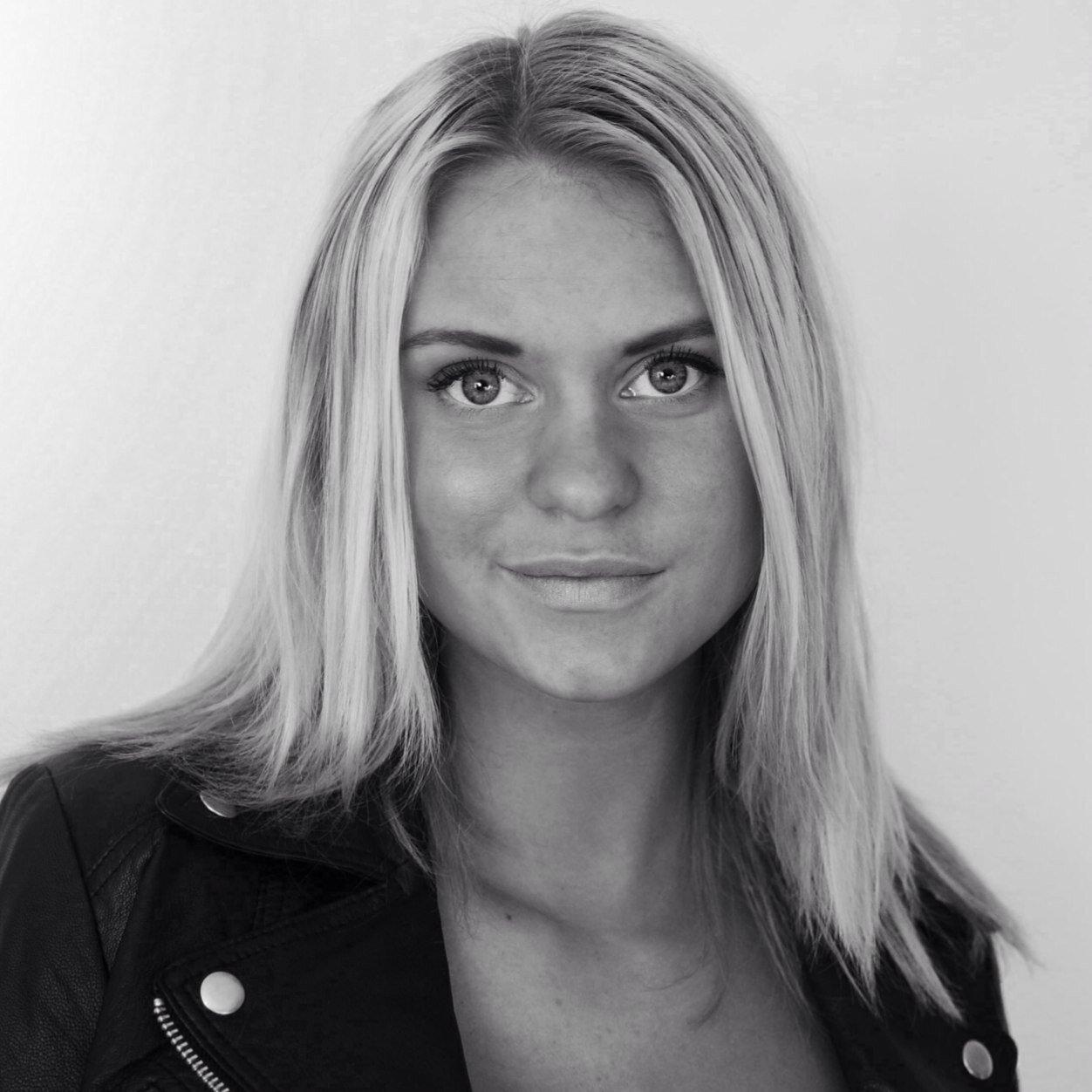 Josefin Ljungman Nude Photos 55