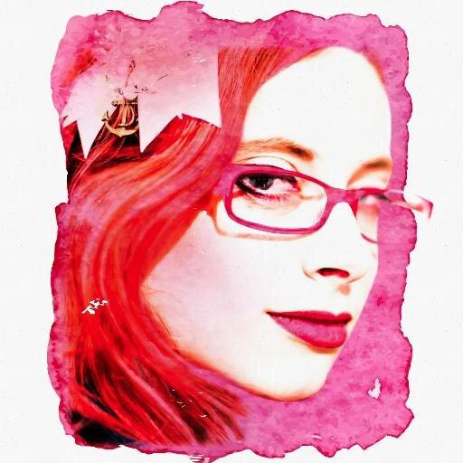 Alizarin Zroob Social Profile