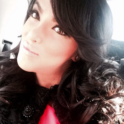 Yasmin Moavenian | Social Profile