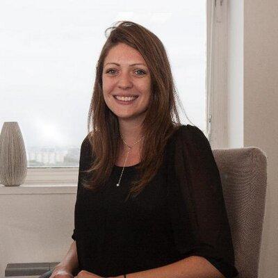 Mélanie Hossler   Social Profile
