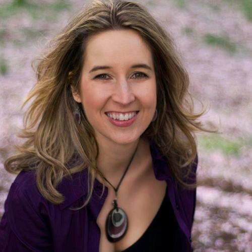 Tara Bennett Social Profile