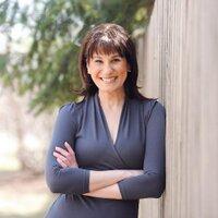Monica Zlotogorski | Social Profile