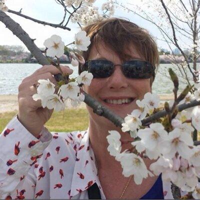 Mimi Johnson   Social Profile