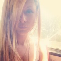 amanda deprez | Social Profile