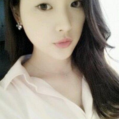 momo♡* | Social Profile