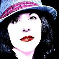 Elisa Lorello | Social Profile
