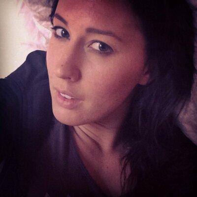 Mademosielle C  | Social Profile