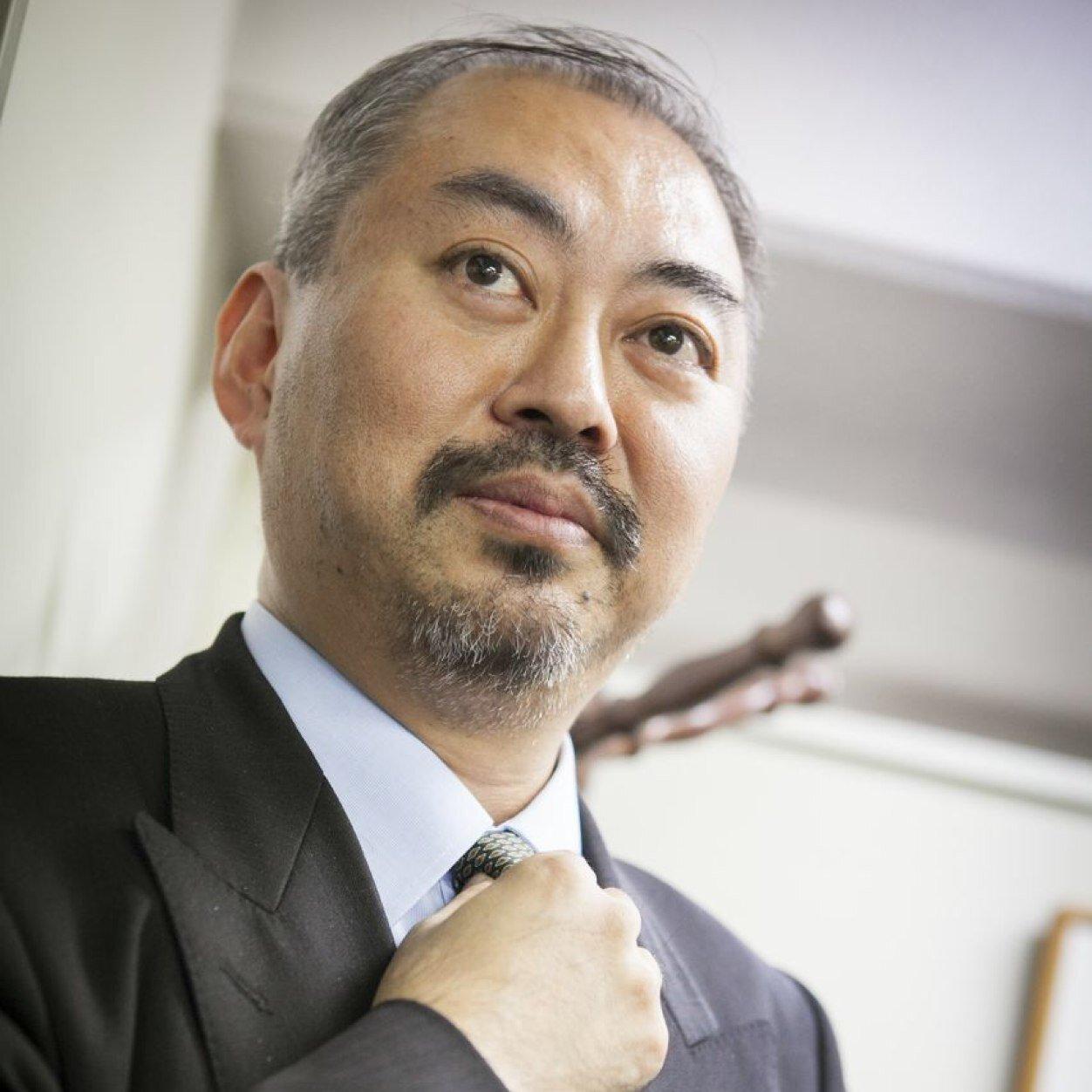 弁護士  小野智彦 Social Profile
