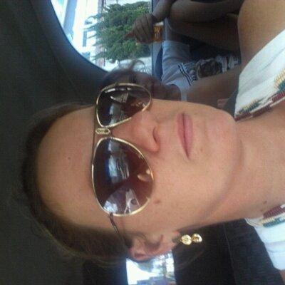 ilana j schneider  | Social Profile
