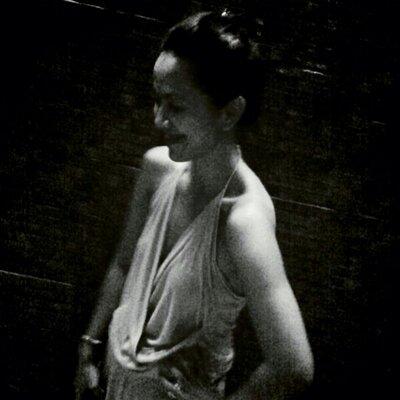 liza evasari | Social Profile
