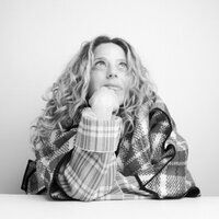 Karen Robinovitz | Social Profile