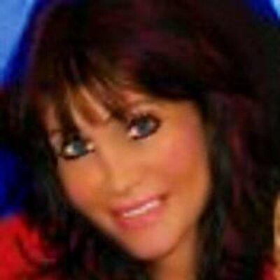 Dawn Abraham ✰ | Social Profile