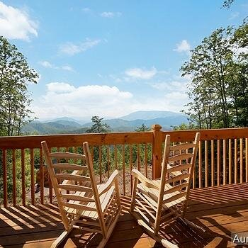 Smoky Mountain Cabin Social Profile