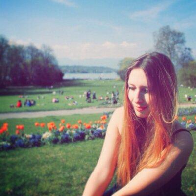 Héloïse ✨✏️   Social Profile