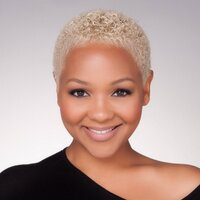 Pro Makeup Artist & | Social Profile