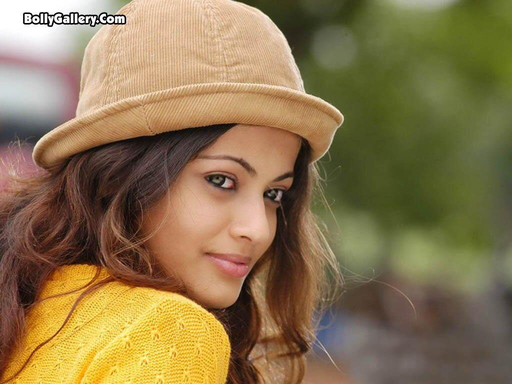 Follow Sneha Ullal Twitter Profile