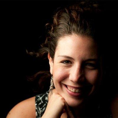 Amelia Eloisa | Social Profile