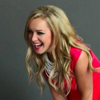 Sara Davidson | Social Profile